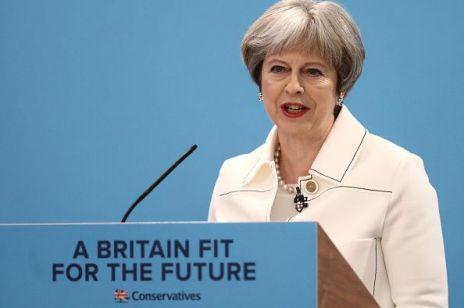 Premier Wielkiej Brytanii Theresa May WALCZY o lepsze płace dla kobiet