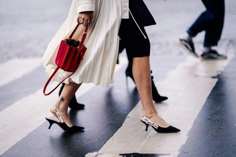 Bucket bag, najmodniejsza torebka lato 2019: trendy moda lato 2019