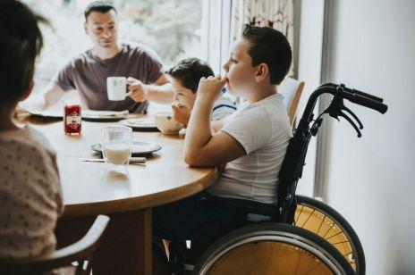 500 plus dla niepełnosprawnych: to nowy pomysł rządu. Od kiedy wejdzie w życie?