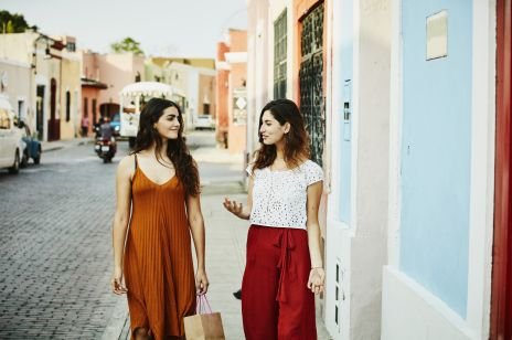 Niezbędnik na wakacje: trendy lato 2019
