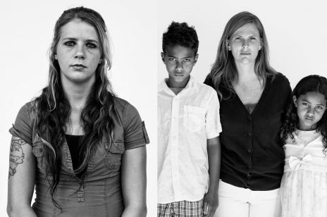 Uzależnione matki na poruszających zdjęciach serbskiego fotografa