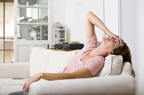 5 sposobów na to, jak radzić sobie z migreną w czasie miesiączki