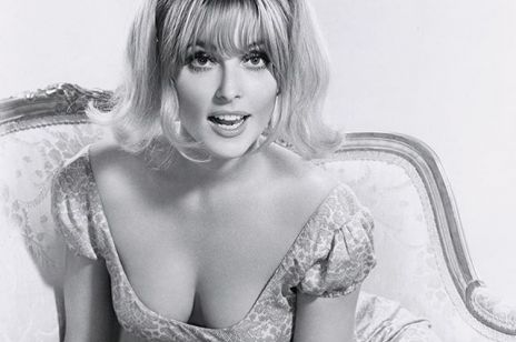Vogue wykorzystał rocznicę śmierci Sharon Tate do promocji trendu makijażowego