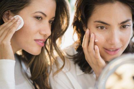 Japonki słyną z pięknej i promiennej cery m.in. dlatego, że ich podejście do wyglądu polega na wieloetapowej trosce o skórę.