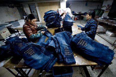 Pracownice molestowane w fabryce dżinsu