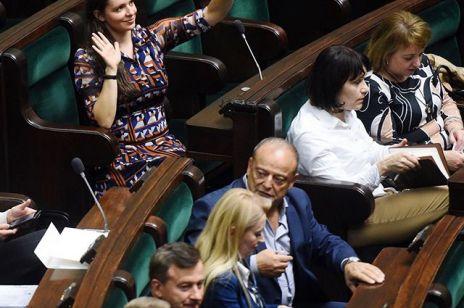 """""""Jesteśmy posłankami, a nie posłami"""", czyli wojna w Sejmie o żeńskie końcówki"""