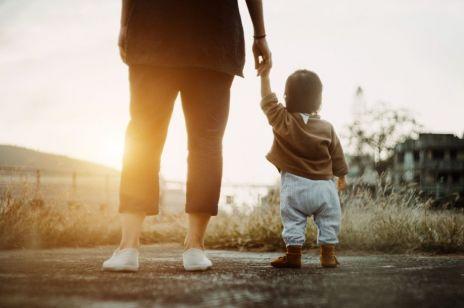 Matka dostała nakaz sądowy zaszczepienia dzieci - pierwszy taki przypadek