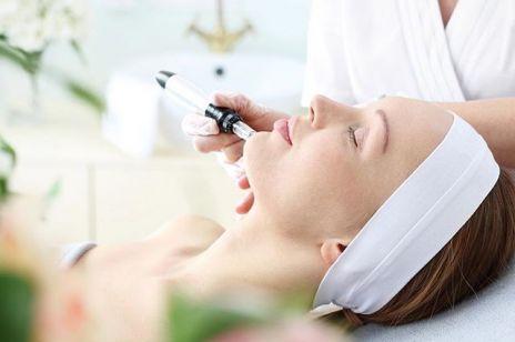 Medycyna estetyczna – czym różni się od kosmetologii i chirurgii plastycznej? Na jakie problemy może pomóc?