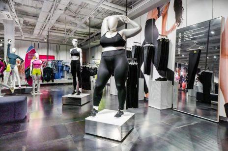 Manekiny plus size – ta sportowa marka robi rewolucję!