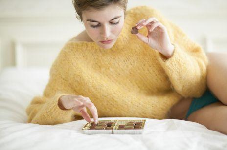 Cukier szkodzi zdrowiu i widocznie wpływa na kondycję skóry.