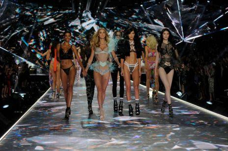 Przemoc, molestowanie i mizoginia: cała prawda o kulisach pokazów Victoria's Secret
