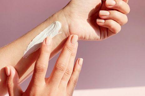 Jakie składniki w kremach do rąk naprawdę nawilżają suchą skórę?