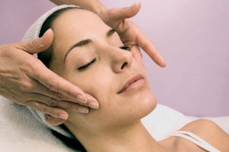 5 powodów, dla których warto zrobić odmładzający masaż twarzy