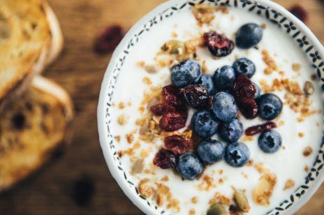 Fit śniadanie: 10 pomysłów jak zdrowo rozpocząć dzień