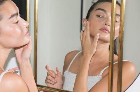 Kosmetyki z kwasami, które dają efekt jak po profesjonalnym peelingu
