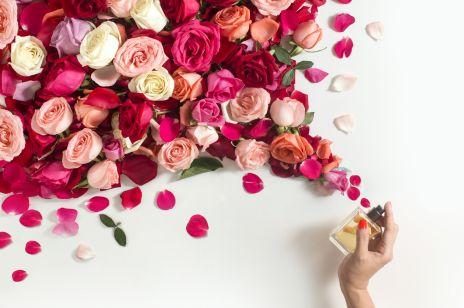 Jak zrobić wodę różaną?