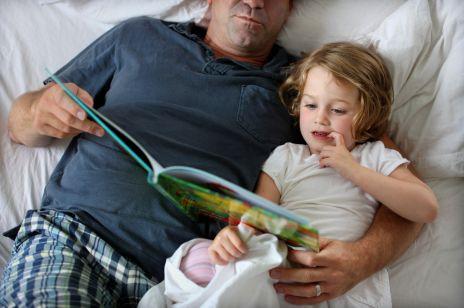 Bajki dla dzieci na dobranoc - teksty. Najlepsze czytanki do spania na dobranoc