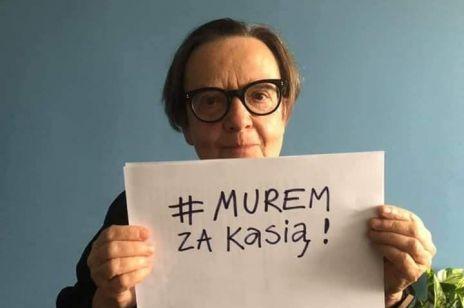 #MuremZaKasią - tysiące osób wspiera kobietę, która będąc dzieckiem padła ofiarą księdza pedofila