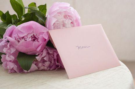Wyjątkowe prezenty na Dzień Matki, które powiedzą więcej niż słowa