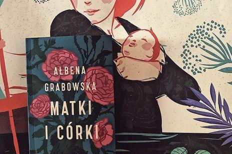 7 książek idealnych na prezent na Dzień Matki. Wśród nich romans, kryminał i poradnik dla dojrzałych kobiet
