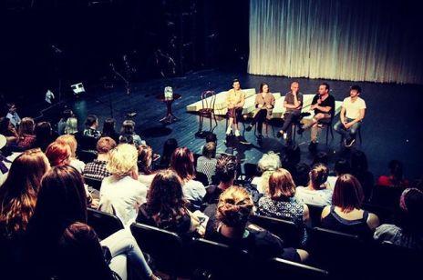 Pierwsze w Polsce premiery spektakli w internecie: gdzie i kiedy je zobaczymy?