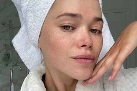 Ta metoda oczyszczania twarzy odblokowuje pory - i nie wysusza skóry