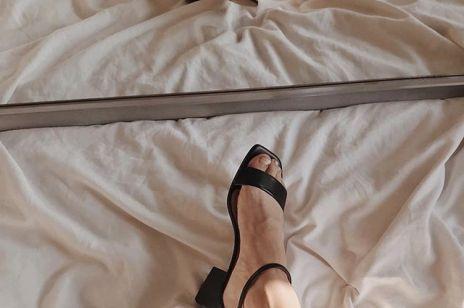 Te klasyczne sandałki nigdy nie wyjdą z mody (znajdziesz je w ofercie polskiej marki)