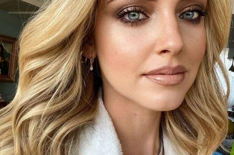 Smoky eyes to idealny makijaż na randkę. Jak go zrobić?