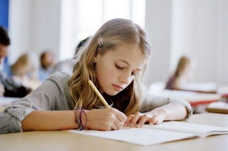 300 plus na wyprawkę szkolną dla dziecka: wiemy, od kiedy można składać wniosek