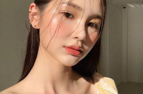 Koreański makijaż na lato: efekt glass skin krok po kroku