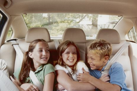 Czym zająć dziecko podczas jazdy samochodem?