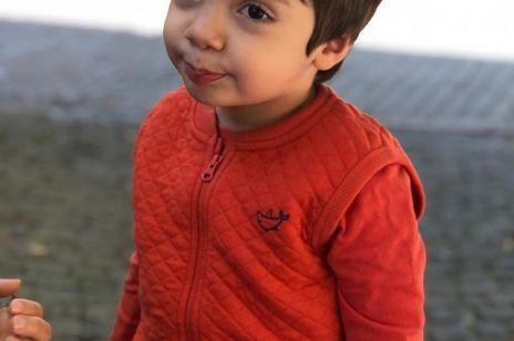 Chłopiec ze znamieniem w kształcie serca