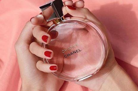Perfume layering:  Jak przedłużyć trwałość perfum?
