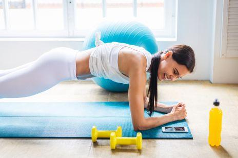 Pompki na brzuch i bicepsy. Jak robić pompki, aby zobaczyć efekty?