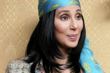"""Cher wychodzi za mąż za 47 lat młodszego wybranka. Planuje założyć """"skandaliczną"""" suknię"""