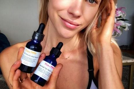 Serum do twarzy z Matrixylem – ten składnik działa jak lifting i ujędrnia skórę kiedy śpisz