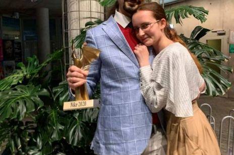 """Nagroda Nike 2020: Radek Rak laureatem nagrody literackiej za """"Baśń o wężowym sercu, albo wtóre słowo o Jakóbie Szeli"""""""