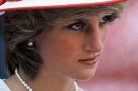 """Little Fashion Story: Najbardziej skandaliczna suknia księżnej Diany. Od lat nazywają ją """"sukienką zemsty"""""""
