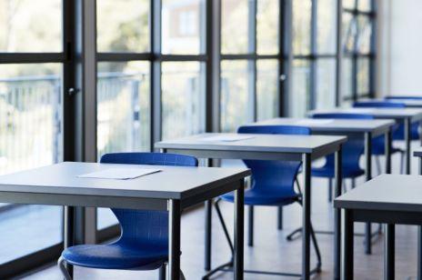 Nauczanie zdalne i nauczanie hybrydowe wracają. Kogo obejmie powrót do nauki zdalnej? [NOWE OBOSTRZENIA]