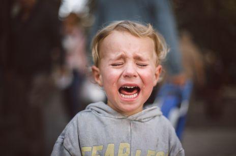 """""""Pandemia przemocy"""" - kampania Fundacji Dajemy Dzieciom Siłę zwraca uwagę na problem przemocy i wykorzystywania dzieci"""