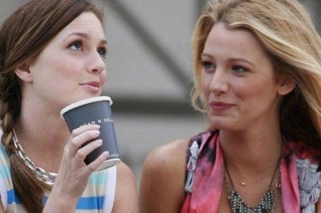 """Kultowa """"Plotkara"""" powraca. Premiera 7. sezonu """"Gossip Girl"""" już w 2021 roku!"""