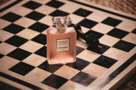 Perfumy na święta - 5 zapachowych nowości, które sprawdzą się jako perfumy na prezent - Chanel, Lancome, Versace, Valentino, Chloe