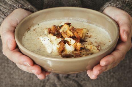 Tradycyjna zupa grzybowa ze śmietaną