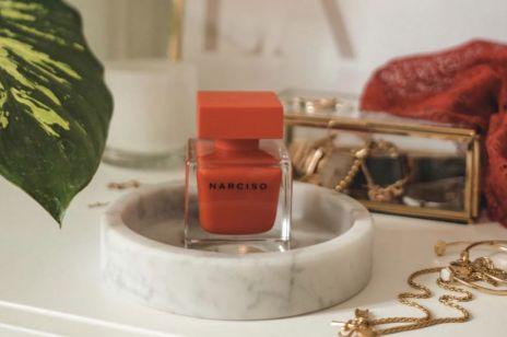 Te perfumy to naturalne afrodyzjaki! 5 zapachów idealnych na zimowe wieczory