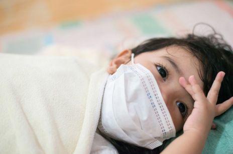 Zespół pocovidowy u dzieci PIMS. Te objawy są groźne dla dziecka ostrzega Centrum Zdrowia Matki Polki w Łodzi