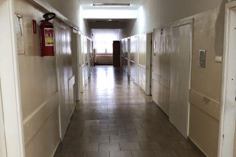Korytarz szpitala psychiatrycznego w Janowie Lubelskim
