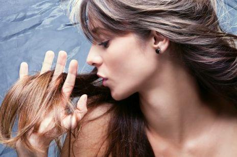 Przyczyny wypadania włosów u kobiet. Jak je powstrzymać?