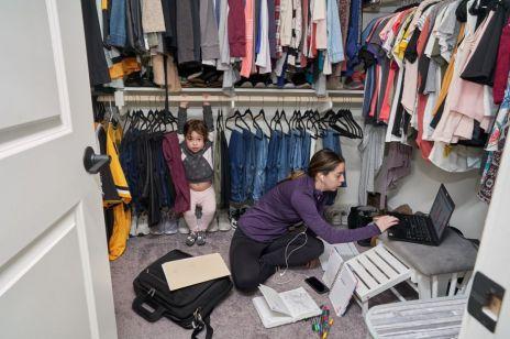 """Co w dobie pandemii znaczy """"być pracującą matką""""? Te zdjęcia pokazują całą prawdę!"""