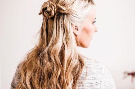 FRYZURY NA WIOSNĘ: Różyczka z włosów - efektowna fryzura dla półdługich i długich włosów. Zobacz, jakie to proste!
