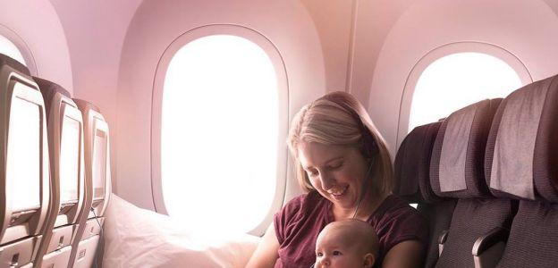 Linie lotnicze wprowadzają strefę do spania dla mam z dziećmi